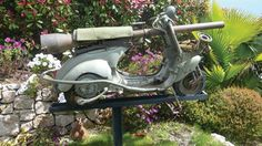 Although it sounds like a joke and looks like some kind of modern art gone wrong right, this Cannon equipped 1959 Vespa scooter supposedly actually served duty defending the Italian province of Messina.