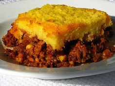 Easy Tamale Pie Recipe Main Dishes with ground turkey, onions, chili seasoning… Pie Recipes, Lunch Recipes, Mexican Food Recipes, Cooking Recipes, Mexican Dishes, Dinner Recipes, Family Recipes, Mexican Desserts, Frugal Recipes