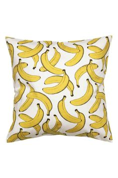 Cushion cover in patterned organic cotton twill with a concealed zip. H & M Home, Home Look, Linen Pillows, Decorative Pillows, Throw Pillows, Banana Art, Dyi, Textiles, Arte Pop