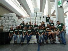I volontari di KIABI con il risultato di un'intensa ed emozionante giornata di lavoro: oltre 250 kit solidali che saranno distribuiti a famiglie in difficoltà in Italia, grazie a Fondazione Progetto Arca!