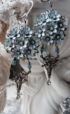 blue bouquet vintage assemblage earrings by the french circus — Mid-century blue enamel and rhinestone floral findings carry tiny apaptite stones, sterling silver rosary connectors and rhinestone drops Jewelry Art, Vintage Jewelry, Jewelry Accessories, Jewelry Design, Vintage Earrings, Vintage Clothing, Blue Bouquet, Himmelblau, French Blue