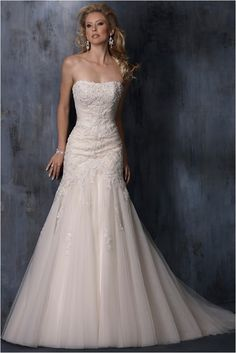 62 Elegant Vintage Lace Wedding Dresses For Your Romantic Wedding https://femaline.com/2017/03/16/62-elegant-vintage-lace-wedding-dresses-for-your-romantic-wedding/