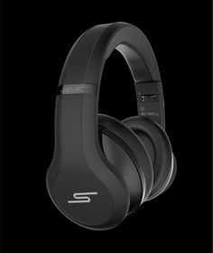 Those visuals for the 50 Cent Street SMS headphones? Created by Jon Welch in KeyShot.