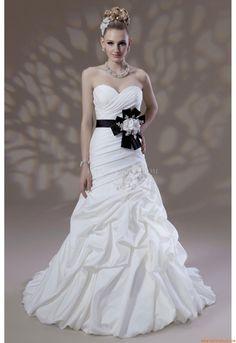 Mageschneiderte Elegante Schlichte Brautkleider aus Taft mit Band