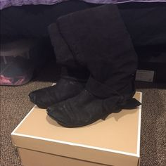 Suade Black Boots Suade black boots, pretty beat up but prove reflects this Charlotte Russe Shoes Winter & Rain Boots