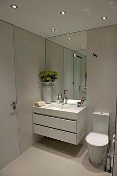 BAÍA DE LUANDA: Casas de banho modernas por Spaceroom - Interior Design Acrescentar puxador na frente da primeira gaveta Bathroom Inspiration, Bathroom Remodel Shower, Small Bathroom Makeover, Bathroom Interior Design, Bathroom Decor, Interior, Bathroom Design, Small Bathroom Decor, Room Interior Design