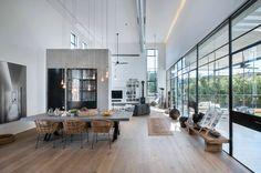 Hängesessel und Schaukel im industriellen Wohnstil - Haus in Tel Aviv