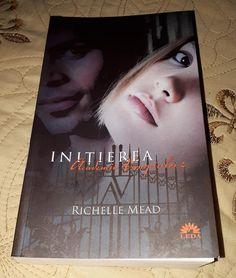Inițierea (Academia Vampirilor #2) de Richelle Mead