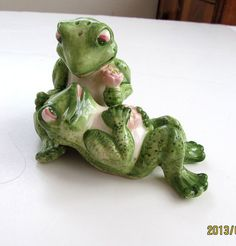 Hilarious Ceramic FROGS in LOVE Salt & by TextilesandOldThings, $24.00
