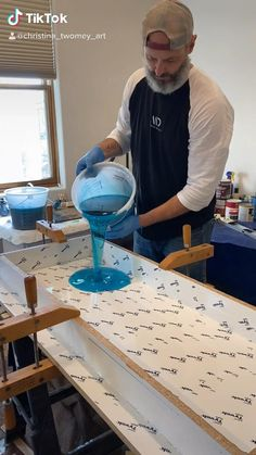 Diy Resin Projects, Diy Resin Art, Diy Resin Crafts, Wood Projects, Diy Resin River Table, Epoxy Wood Table, Epoxy Resin Table, Woodworking Ideas Table, Woodworking Shop