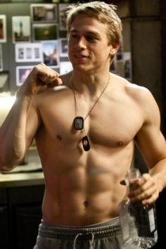 Mmmmm Charlie Hunnam