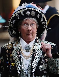 Pearly Kings And Queens Gather To Celebrate Harvest Festival - Pictures - Zimbio Gorgeous Hat! London England, England Uk, Story Of The World, Mother Of Pearl Buttons, London City, King Queen, How To Raise Money, Couture Fashion, Wearable Art
