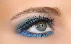 Turquoise blue and sea green eye look