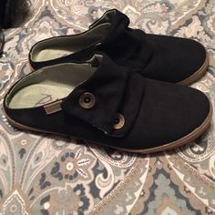 Black slip ins-never worn Black canvas slip ins Blowfish Shoes Mules & Clogs