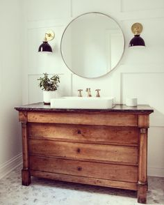 Classic Elegant Styles #relaxation #inspiration #homestyling #homedecor #living #bath#bathroom#bathtub#bathroomdecor#style#home#bathroomstyle#bathroomideas#bathroomdesign#bathroomvanity#bathroomvanitytops#accentswalldecor#lighting#lightingdecor#lightingdesign