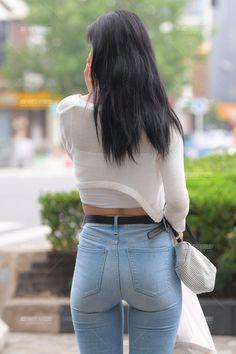 Superenge Jeans, Mode Jeans, Sexy Jeans, Skinny Jeans, Beautiful Asian Girls, Gorgeous Women, Denim Attire, Korean Jeans, Motorbike Girl