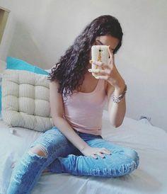 """58 curtidas, 2 comentários - Elana Beatriz (@elanabeatriiz) no Instagram: """"""""Agradecer é a arte de atrair coisas boas.""""🌹 . . . #boanoite"""""""