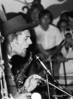 John Mayall, 1969 http://icarolavia.blogspot.com.es/2014/11/music-john-mayall-en-barcelona-all-your.html #johnmayall #80sbirthdaytour #festivalmilleni #lauditori #barcelona #britishblues #whitefatheroftheblues