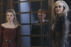 "'Once Upon A Time In Wonderland' Episode 111 ""Heart of the Matter"" - The Red Queen,The Knave & The Jabberwocky"