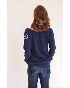 Bee crest, navy off-the-shoulder sweatshirt Loose Goose Canada