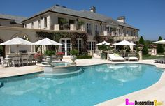 Celebrity Homes: Real House Wife Lisa Vanderpump's Beverly Hills Mansion, love, love love this house