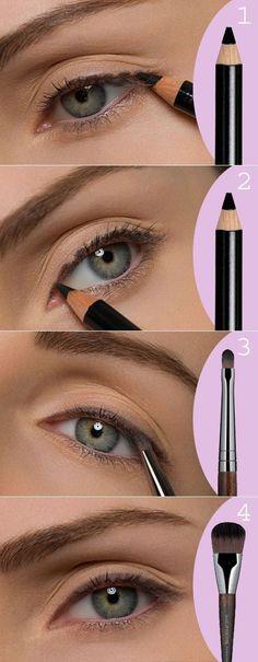 Eye makeup eyeliner tutorials make up 62 ideas for 2019 - Makeup Tutorial Over 40 Makeup Tutorial Eyeliner, Eyeshadow Makeup, Eyeliner Ideas, Yellow Eyeshadow, Eyeshadow Palette, Natural Eyeliner Tutorial, Summer Eyeshadow, Makeup Palette, Beauty Make-up