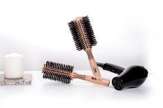 Un look de peluquería se puede hacer fácilmente también en casa con nuestra línea de cepillos profesionales. www.tekitaly.es/cepillos-jabali Home, Brushes