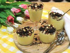 Syrlig mascarponekräm med nötter och choklad | Recept.nu