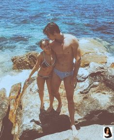 16 Ideas how to kiss your crush girls Joey King, King Jacob, Kissing Booth, Ramona And Beezus, Tall Boyfriend, Noah Flynn, Lego Books, Guys In Speedos, Cute Actors