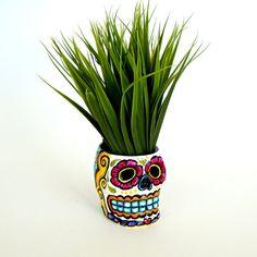 Cerámica de azúcar cráneo plantador Halloween día de la mano muerta pintada Dia de los muertos vela titular de Folk Art - listo para nave