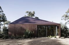 Yandoit Cabin by Adam Kane Architects - Sustainable Cabin Architecture - The Local Project Australian Architecture, Amazing Architecture, Interior Architecture, Metal Facade, Metal Cladding, Simple Aesthetic, Cabin Design, House Design, Eco Friendly House