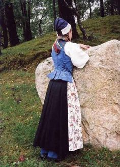 Folk Clothing, Apron, Floral Prints, Embroidery, Clothes, Image, Dresses, Fashion, Victorian Dresses