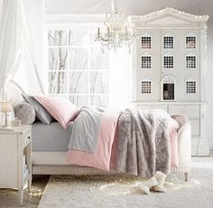 visions of sugarplums. twinkly lights and a fairy-tale worthy bed.
