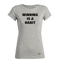 #motivation #win #winner #winning #gewinner #motivationstshirt #tshirt #biobaumwolle #geschenkidee #beactive #fitfam #fit #gesundleben #onlineshop Motivation, T Shirts For Women, Cool Stuff, Fit, Mens Tops, Fashion, Women's T Shirts, Moda, Fashion Styles