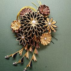 Miscellaneous Goods, Kanzashi Flowers, Hair Ornaments, Minne, Hair Piece, Flower Crafts, Hair Jewelry, Diy And Crafts, Brooch