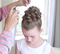 🎬 Tutorial time 🎬 Super easy and cute decoration of braids. Cool Braid Hairstyles, Little Girl Hairstyles, Short Hair Styles, Natural Hair Styles, Hair Upstyles, Baby Girl Hair, Toddler Hair, Hair Videos, Hair Designs