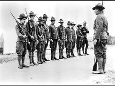 Charlie Chaplin- Carlitos nas Trincheiras (1918)- Legendado
