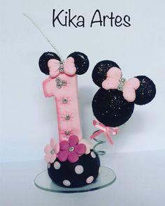 "Vela da Minnie de biscuit  #biscuit #polycol #bluestarnet #porcelanafria #minnie #disney #Minnierosa…"""