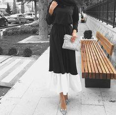 black and white Abaya Fashion, Muslim Fashion, Modest Fashion, Fashion Outfits, Muslim Girls, Muslim Women, Beautiful Hijab, Beautiful Dresses, Christians