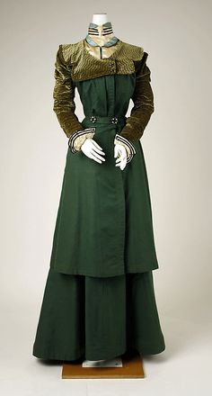Walking Suit Made Of Silk And Wool - Probably American   c.1897-1898  -  The Metropolitan Museum Of Art