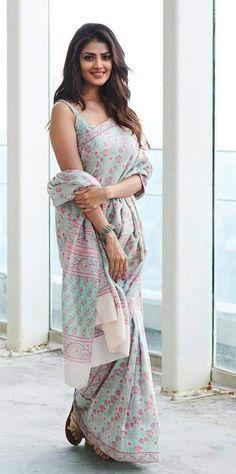 Beautiful Girl In India, Beautiful Blonde Girl, Beautiful Women, Beautiful Saree, Beautiful Bollywood Actress, Most Beautiful Indian Actress, Beauty Full Girl, Beauty Women, Bollywood Designer Sarees
