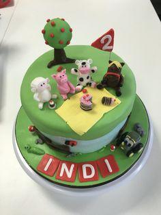 Animal picnic cake