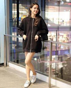 Holy Chic, Ulzzang Korean Girl, Cute Girl Face, Woman Crush, Beautiful Celebrities, Urban Fashion, Fashion Outfits, Womens Fashion, Asian Girl