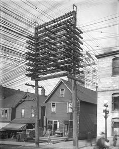 Early days of electricity, Pender Street 1914. City of Vancouver.