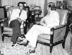Luis Aparicio en el Palacio de Miraflores, conversando con el presidente de la República Carlos Andrés Pérez. Caracas, 05-04-1974 (RAMON GARCIA / ARCHIVO EL NACIONAL)