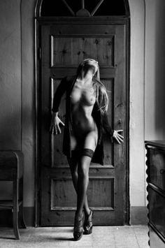 Chiaroscuro Nude: black and white nude art.