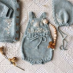 Knitted Baby Jumpsuit Models - Merry Ornament Home - Free Birthday S . Knitted Baby Jumpsuit Models - Merry Ornament Home - Free Birthday S . , Knitted Baby Rompers Models - Merry Ornament Home - Free Birthday Decorations. Baby Knitting Patterns, Knitting For Kids, Knitting Projects, Crochet Projects, Free Knitting, Knitted Baby Clothes, Knitted Romper, Baby Knits, Baby Girl Fashion