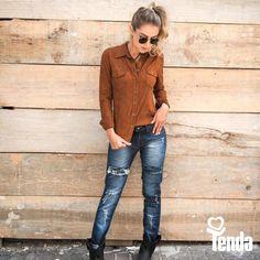 Olha que coisa mais linda, mais cheia de graça...é o suede - que nada mais é do que a camurça, que vem e que passa pelas ruas, numa doce parceria com o jeans. Luxo! #Tenda