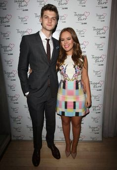 adorable, love that dress too. Tanya Burr and Jim Chapman. Jim And Tanya, Jim Chapman, Tanya Burr, Athletic Build, Tyler Oakley, Zoella, Going To The Gym, Cute Couples, Youtubers