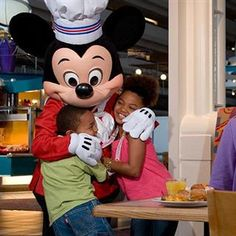 Chef Mickey's, Contemporary Resort - Restaurant Menus, Disney Dining Discounts, Chef Mickey's Reviews - Undercover Tourist
